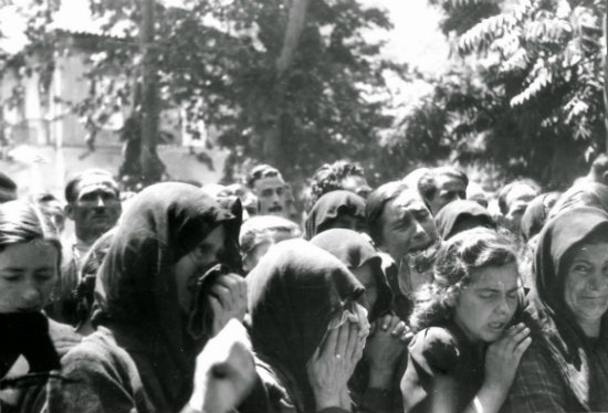 «Όσους βρούμε έξω θα σας σκοτώσουμε» – Η Σφαγή των Καλαβρύτων μέσα από μια μαρτυρία