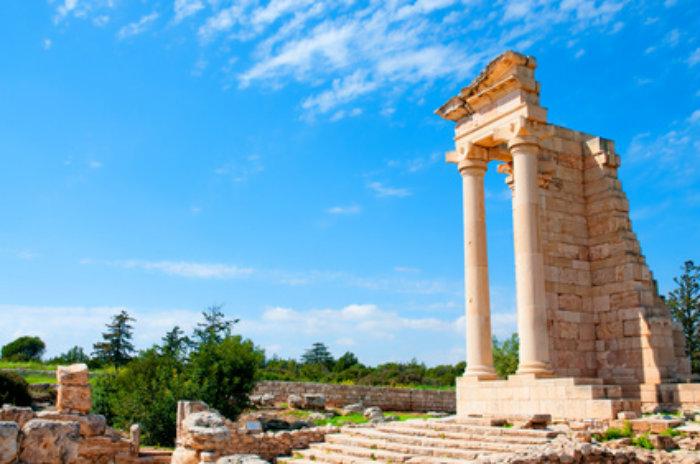 Το μυστικό του ναού του Απόλλωνα Υλάτη στο Κούριο: το φυσικό φαινόμενο που συμβαίνει κάθε μια φορά τον χρόνο