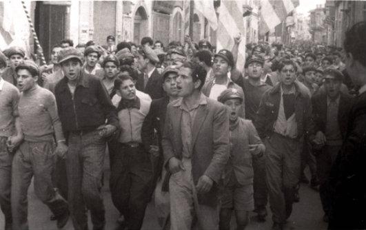 «Καλούμε τους φίλους Τούρκους και Αρμένιους και όλους όσοι σέβονται το δικαίωμα στην ελευθερία να κατεβάσουν ρολά». Η 24ωρη Γενική Απεργία των Κυπρίων το 1955