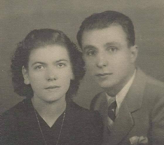 «Ο σύζυγός μου Κώστας Μόντης». Η Έρση δίπλα από τον Ποιητή