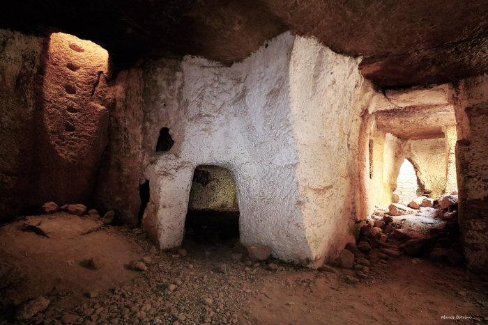 Οι κατακόμβες της Πάφου όπου βρήκε βασανιστικό θάνατο η Αγία Σολομονή