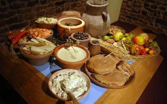 Διατροφή και υγεία στην αρχαία Κύπρο – Τι ήταν το όψον, ο φάκινος άρτος και ποια φρούτα προτιμούσαν οι αρχαίοι Κύπριοι