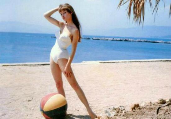 Αμμόχωστος «το Vegas» της Μεσογείου – Φωτογραφίες από τους αστέρες του Hollywood στα Βαρώσια