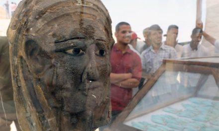 «Αρχαιοελληνική» η επιχρυσωμένη μάσκα μούμιας βρέθηκε στην Αίγυπτο