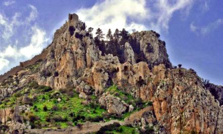 Άγιος Ιλαρίωνας – Οι θρύλοι γύρω από τη Ρήγαινα του κάστρου που γκρέμιζε τους εργάτες της